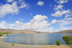 Im Freienlandschaft mit blauem Himmel und Wolken Stockfoto