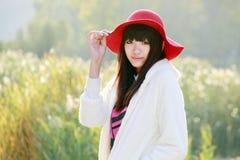 Im Freienportrait des asiatischen Mädchens Stockfotografie
