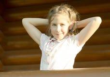 Im Freienportrait des Mädchens Stockbilder