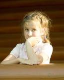Im Freienportrait des Mädchens Stockfotografie