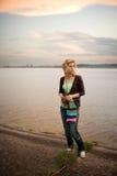 Im Freienportrait eines schönen Mädchens Lizenzfreies Stockfoto