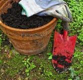 Im Garten arbeitenhintergrund Lizenzfreie Stockfotos