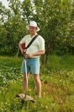 Im Garten arbeitenmann Lizenzfreie Stockfotos