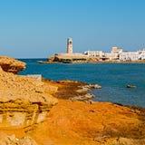 im Oman-Muskatellertraubenfelsen die alte Defensive Lizenzfreies Stockfoto