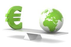 Im Schwerpunkt - Euro und Erde Lizenzfreie Stockfotos