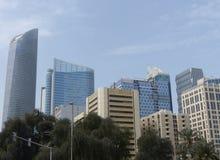 Im Stadtzentrum gelegene Abu Dhabi-Skyline Stockfoto
