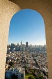 Im Stadtzentrum gelegene Ansicht Francisco-Transamerica Lizenzfreie Stockbilder