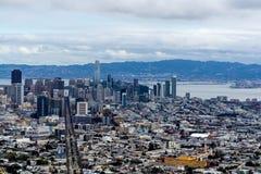 Im Stadtzentrum gelegene Ansicht San Franciscos am Twin Peaks, San Francisco, CA stockfotografie
