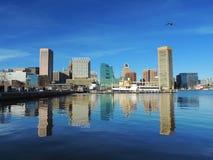 Im Stadtzentrum gelegene Baltimore-Skyline auf dem inneren Hafen Stockfotos