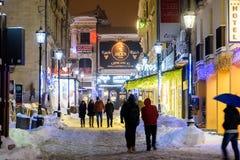 Im Stadtzentrum gelegene Bukarest-Stadt nachts während des starken Blizzard-Schnee-Sturms Lizenzfreies Stockbild