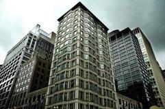 Im Stadtzentrum gelegene Gebäude Stockfotografie