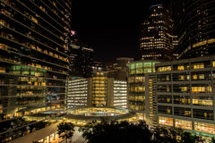 Im Stadtzentrum gelegene Houston-Gebäude nachts Stockbild
