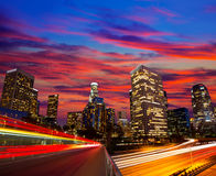 Im Stadtzentrum gelegene LA-Nacht-Los Angeles-Sonnenuntergangskyline Kalifornien Lizenzfreie Stockfotos