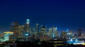 Im Stadtzentrum gelegene LA-Nacht-Los Angeles-Sonnenuntergangskyline Kalifornien Stockfotos