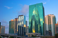 Im Stadtzentrum gelegene Miami-Büros Lizenzfreie Stockfotos