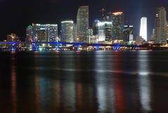 Im Stadtzentrum gelegene Miami-Nacht Lizenzfreie Stockfotografie