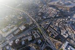 Im Stadtzentrum gelegene Niveau-Autobahn-Austausch-Antenne Los Angeless vier Lizenzfreie Stockbilder