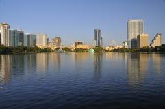 Im Stadtzentrum gelegene Orlando-Skyline Stockfotografie