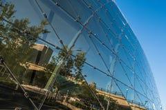 IM STADTZENTRUM GELEGENE REFLEXION OTTAWAS IN DER GLASwand Stockbild