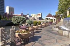 Im Stadtzentrum gelegene Reno-Promenade und Park. Stockfoto