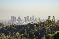 Im Stadtzentrum gelegene Skyline Los Angeless in Abstand 4 Stockfotografie