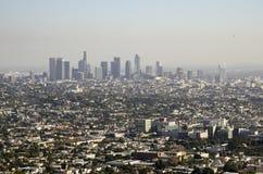 Im Stadtzentrum gelegene Skyline Los Angeless in Abstand 2 Stockbilder