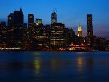 Im Stadtzentrum gelegene Skyline Manhattans lizenzfreies stockfoto