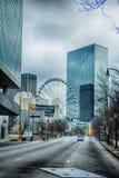 Im Stadtzentrum gelegene Skylineszenen Atlantas im Januar am bewölkten Tag stockfoto