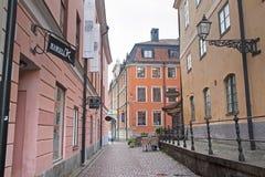 Im Stadtzentrum gelegene Straße Uppsalas stockfoto