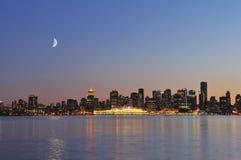 Im Stadtzentrum gelegene Vancouver-Nachtszene Stockfotografie