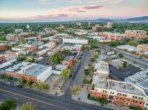 Im Stadtzentrum gelegene Vogelperspektive Fort Collins Stockbild
