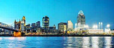 Im Stadtzentrum gelegener Überblick Cincinnatis Lizenzfreie Stockfotos