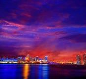 Im Stadtzentrum gelegener Skylinesonnenuntergang Florida US Miamis Stockfoto
