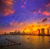 Im Stadtzentrum gelegener Skylinesonnenuntergang Florida US Miamis Lizenzfreies Stockbild