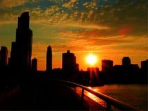 Im Stadtzentrum gelegener Sonnenuntergang Chicagos Stockfotografie