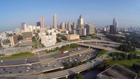 Im Stadtzentrum gelegenes Atlanta Georgia und zwischenstaatliches Video mit 20 Antennen stock footage