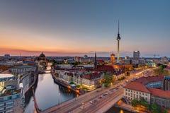 Im Stadtzentrum gelegenes Berlin mit dem berühmten Fernsehturm Lizenzfreie Stockbilder