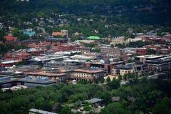 Im Stadtzentrum gelegenes Boulder, Colorado auf Sunny Day lizenzfreie stockfotografie