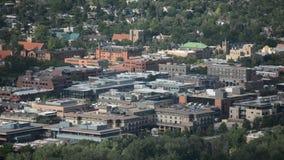 Im Stadtzentrum gelegenes Boulder, Colorado auf Sunny Day mit Boulder-Reservoir stock video footage