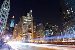 Im Stadtzentrum gelegenes Chicago stockfotos