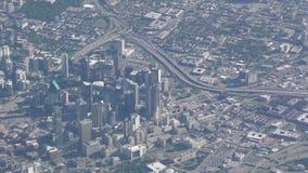 Im Stadtzentrum gelegenes Dallas, Texas von der Luft stock video