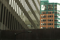 Im Stadtzentrum gelegenes Des Moines Iowa Stockbilder