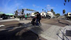 Im Stadtzentrum gelegenes Encinitas Kalifornien 1 stock video footage
