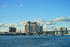 Im Stadtzentrum gelegenes Gebäude Miamis Stockfotografie
