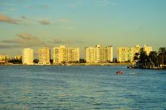 Im Stadtzentrum gelegenes Gebäude Miamis Lizenzfreie Stockfotos