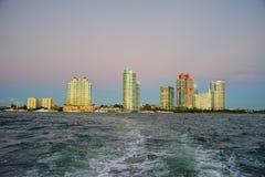 Im Stadtzentrum gelegenes Gebäude Miamis Stockbild