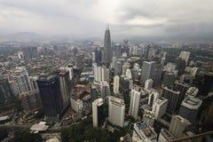 Im Stadtzentrum gelegenes Kuala Lumpur von oben Lizenzfreie Stockfotografie