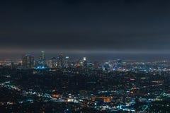 Im Stadtzentrum gelegenes Los Angeles nachts stockfotografie