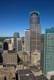 Im Stadtzentrum gelegenes Minneapolis Stockfotos