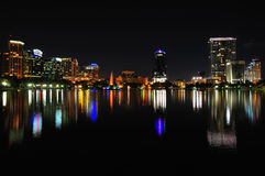 Im Stadtzentrum gelegenes Orlando nachts Lizenzfreie Stockfotografie